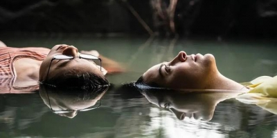 同性青春電影推薦《青春未知數》:Netflix把同性電影拍出了新高度!