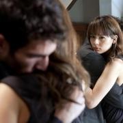 西班牙驚悚電影推薦《黑暗面/鏡中人》,永遠不要去試探人性!