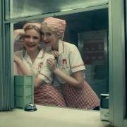 Netflix劇情電影推薦《我想結束這一切》,邊緣人的幻想才是唯一治癒!
