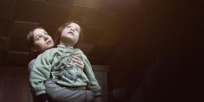 奧斯卡獲獎電影《不存在的房間》影評推薦,沒有煽情卻依然令人悲傷感動