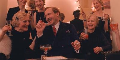 影評:如何評價《歡迎來到布達佩斯大飯店》這部喜劇電影?好於98%喜劇片